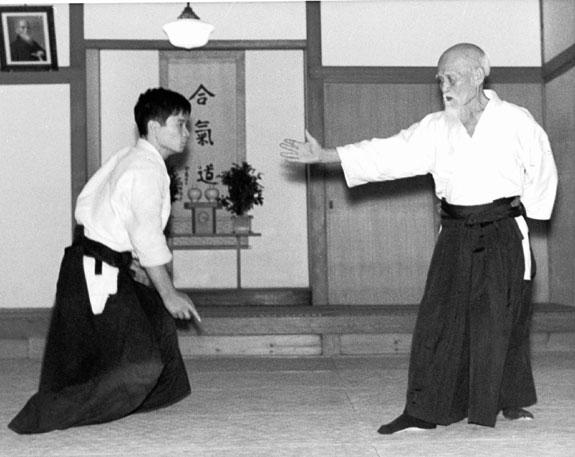 morihei-ueshiba-arm-extended